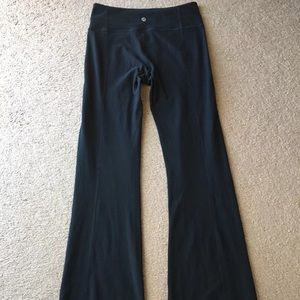Lululemon flare legs yoga pants reversible sz 4